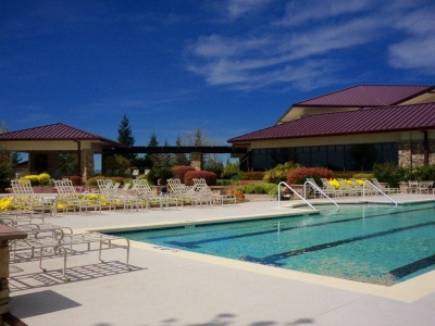 orchard_creek_lodge_-_pool_2_400